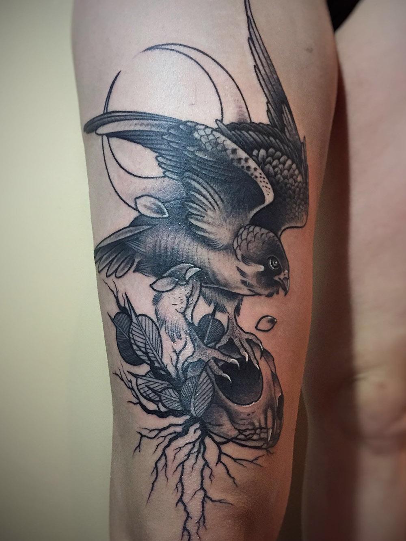 Herzwert Tätowierungen - Aachen Tattoo - Celine - Vogel