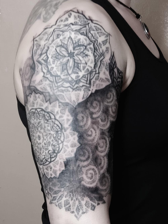 Herzwert Tätowierungen - Aachen Tattoo - Florian - Mandala
