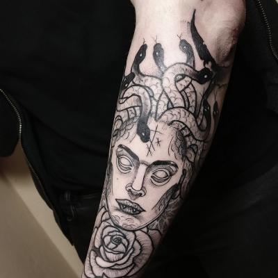 Herzwert Tätowierungen - Aachen Tattoo - Florian - Medusa